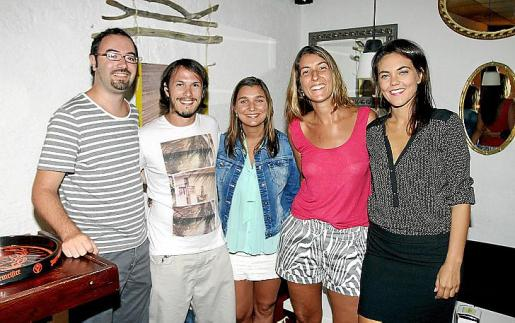 Marc Llompart, Agustín Pierini, Flor Giuliano, Sabrina Brea y Nuria Rincón.