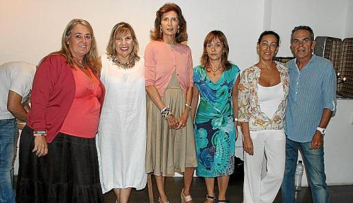 Cristina Moreno, Vicky Olivares, Carmen Planas, Joana Maria Bota, Amalia Blanco y Guillermo Vallespir.