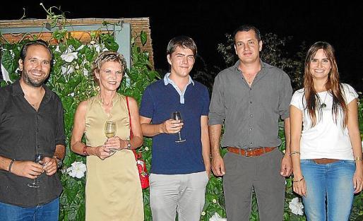 Julian Baraja, Petra Backer, Oliver Backer, Joan J. Andreu y Àurea Creus.