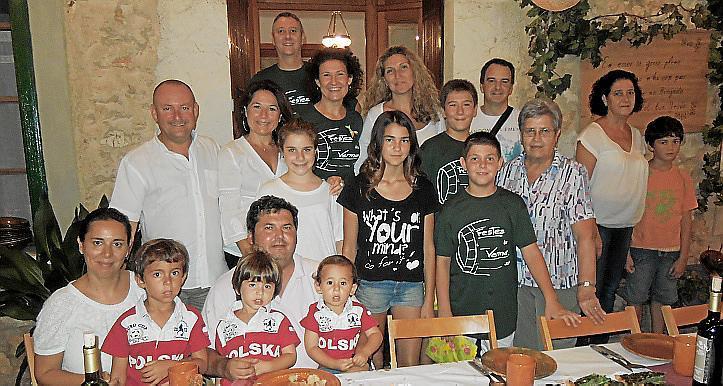 Cena de Fideus de Vermar fiestas des Vermar de Binissalem