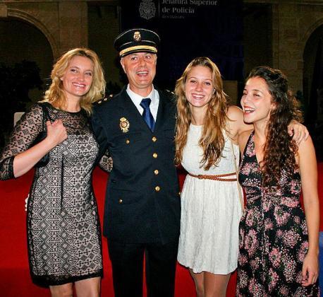 Almudena Cabrer, el inspector José Miguel Jiménez, Marta Jiménez y Alicia Arévalo.