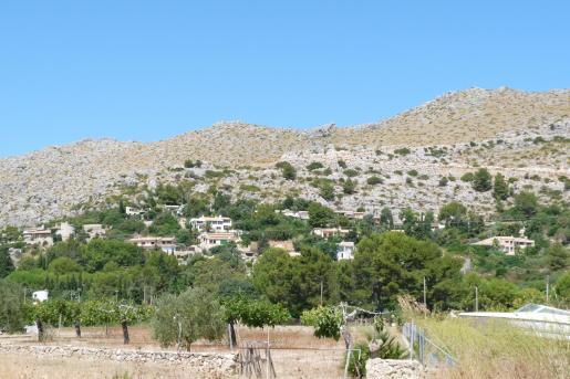 Urbanizaciones como El Vilà de Pollença se han desarrollado sin tener la previa dotación de servicios.