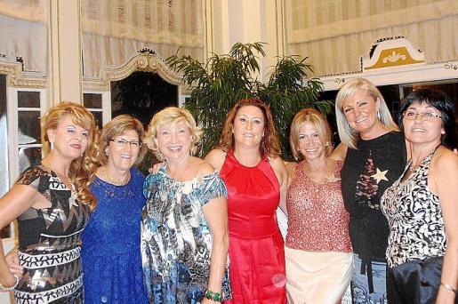 Manoli Camba, Carmen Casali, Carmen Nadal, Rosa Rodríguez, Mercedes Valenzuela y Milagros Peña.