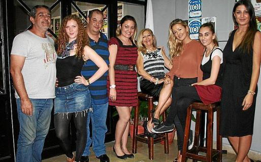 Xisco Ródenas, Corina Seiter, Miguel J. Pujadas, Caterina Rosselló, Lola Paniza, Nuria Rigo, Raquel Rivero y Marga Bonnín.