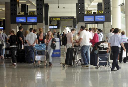 El número de pasajeros se ha visto muy afectado por la nube de cenizas.