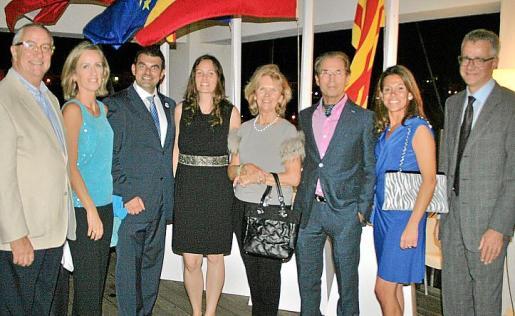Jesús Ayerra, Rosa Torrens, Carlos Anglada, Kristhina Penner, Úrsula y Hans Figlmüller, Cristina Vivancos y Christian Neukon.