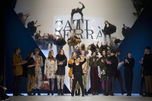 Un detalle de la mallorquina Cati Serrà durante su participación en la Paserela Cibeles de Madrid Fashion Week.