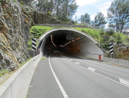 El accidente ocurrió en una zona cercana al túnel de sa Mola. La víctima se dirigía al Port de Sóller.