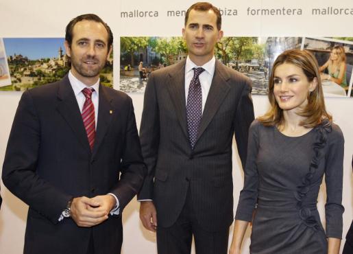 Los Príncipes de Asturias junto a José Ramón Bauzá, en una imagen de archivo.