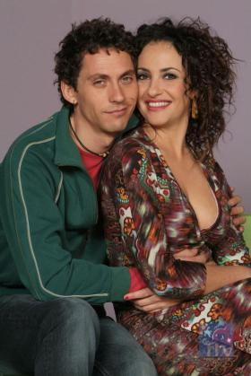 Paco León y Melanie Olivares, dos de los protagonistas de la serie.