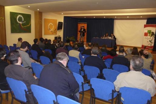 Un momento de la asamblea celebrada en Algaida.