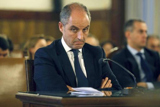 El expresidente de la Generalitat valenciana, Francisco Camps, durante el juicio por el caso Gürtel.