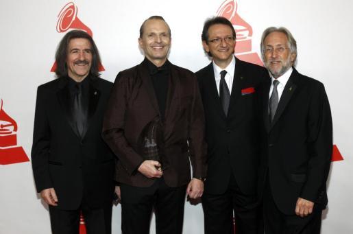 Luis Cobos, Miguel Bosé, Gabriel Abaroa y Neil Portnow.