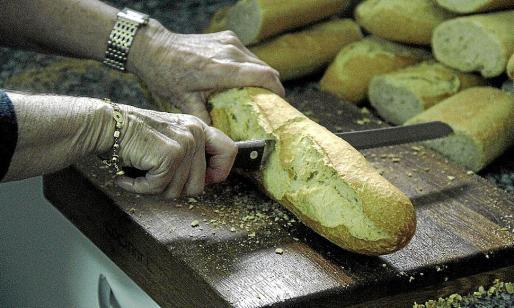 Desde Cáritas remarcan que las entidades pueden ofrecer alimentos a todo el que lo solicite.