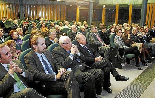 Numeroso público asistió a la cita en el centro cultural de Sa Nostra. Fotos: J. MOREY
