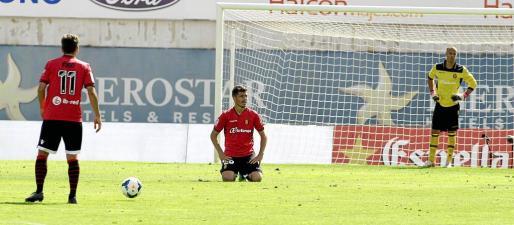 Iñigo Pérez, Agus y Miño tras encajar un gol en Son Moix.