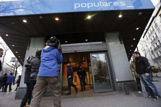 Entrada de la sede del PP, en la Calle Génova de Madrid.