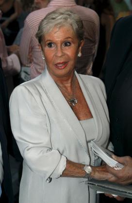 La actriz Lina Morgan asiste a la inauguración oficial de la nueva etapa del Teatro La Latina en 2010.