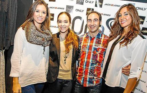 Marina Rosselló, Lorena Ares, Miquel Àngel Mateu y Lorena Abrines.