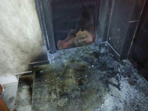 Esta es una de las zonas de la sede del PP en Ibiza que ha sido quemada.