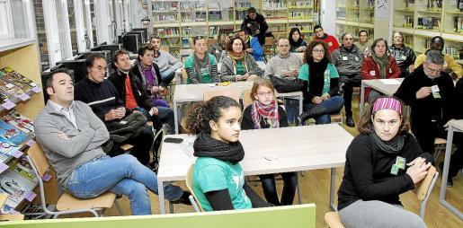 Padres y docentes en el IES Josep Sureda i Blanes.