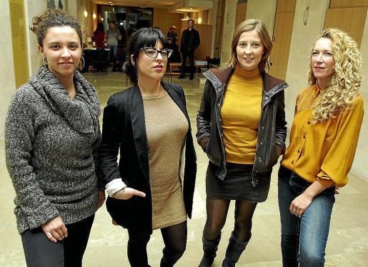 Maria Bauçà, Noemí Garcies, Maria Rosselló y Adela Peraita, cuatro de las cantantes y actrices que actuarán en «Somia la dona-peix».