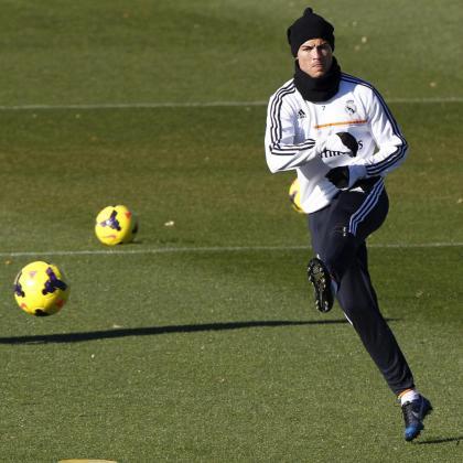 El delantero portugués del Real Madrid Cristiano Ronaldo, durante el entrenamiento del equipo hoy en la Ciudad Deportiva de Valdebebas.