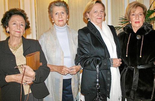Conchita Montoya, Nini Ferrer, Tere Casasnovas y Margarita Bibiloni.