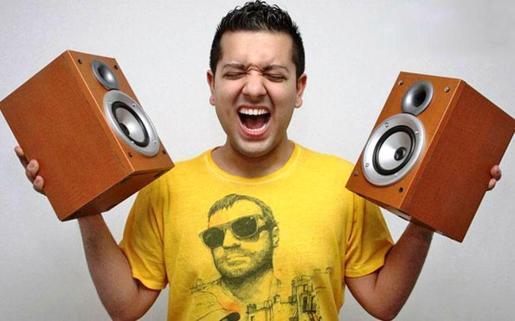 Sak Noel, creador de éxitos como 'Loca People' esta Nochebuena en Titos.