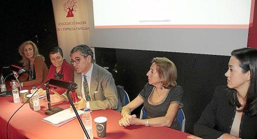 Gabriela Aliaga, Carmen Serra, Joan Buades, Paz Massanet y Alejandra Company.