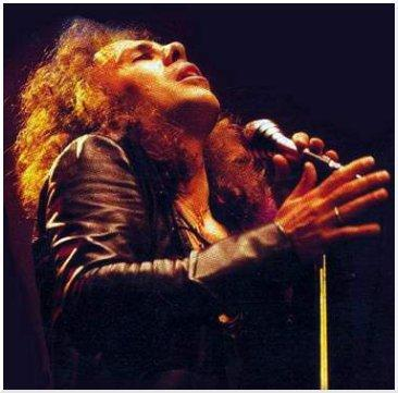 Ronnie James Dio sustituyó a Ozzy Osborne como cantante de Black Sabbath.