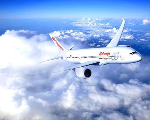 PALMA. COMPAÑIAS AEREAS. Avión de Air Europa Boeing 787 Dreamliner.