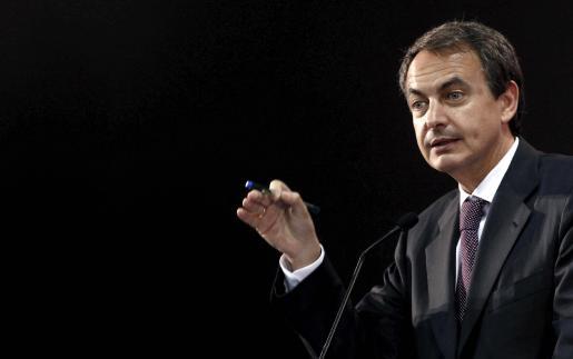 El presidente del Gobierno español, José Luìs Rodriguez Zapatero, durante la rueda de prensa que ofreció tras finalizar la cumbre UE-Mercosur.