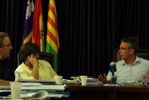 La tensión entre Gallardo y Comes era ya más que visible durante el pleno del viernes.