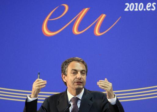 José Luis Rodríguez Zapatero, durante la rueda de prensa ofrecida ayer tras finalizar la cumbre UE-Mercosur, celebrada en el Recinto Ferial Juan Carlos I.