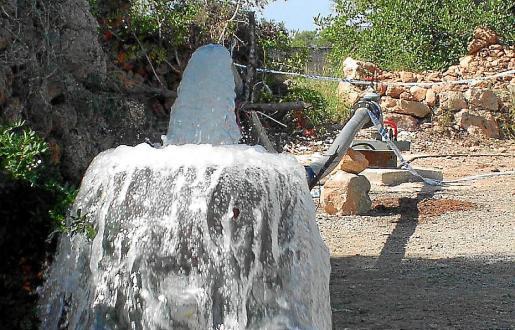 Imagen de las obras de perforación del pozo que debe suministrar agua a s'Estanyol.