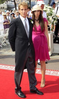 Imagen de archivo datada el 2 de julio del 2011 del hijo mayor de Carolina de Mónaco, Andrea Casiraghi, junto a su novia, la colombiana Tatiana Santo Domingo, en Mónaco.