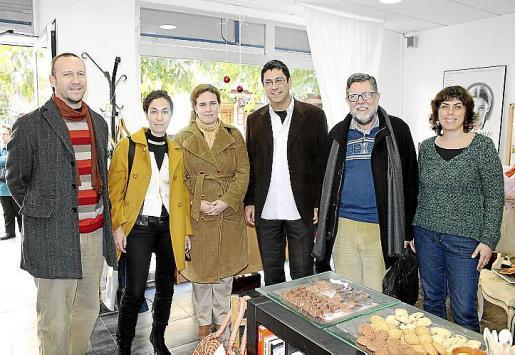 Miquel López, Felipa Solí, Nuga Santana, Ricardo Caamaño, Miquel Rosselló y Maria Suau.