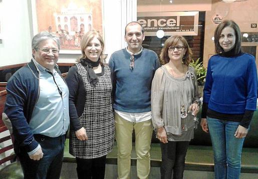 Monse Fontanet, Cati Coll, Pere Mas, Magdalena Cabrer y Rosa Tarrago.