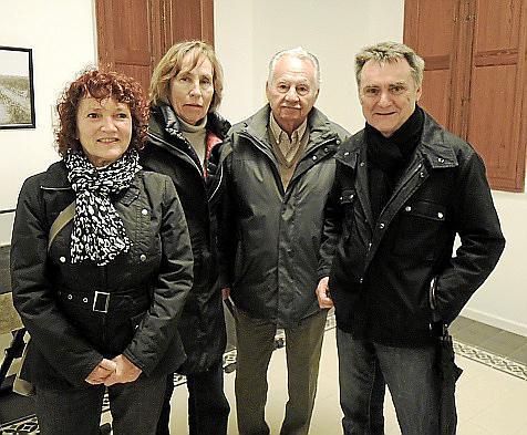 Margarita Hutzen, Karin Klapp, Enrique Klapp y Manfred Ballfriher.