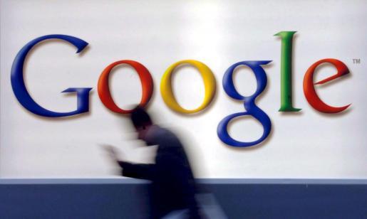 EFE - ALEMANIA-CHINA-GOOGLE - EBF - Información para empresas - MD35 FRÁNCFORT (ALEMANIA) 05/12/2010.- Foto de archivo tomada el 21 de octubre de 2004 del logotipo de Google en Fráncfort (Alemania). Estados Unidos culpó a altos funcionarios del Partido Comunista Chino del ataque informático que sufrió Google a finales del año pasado, y que le forzó a dejar de operar temporalmente su motor de búsqueda en el país. Así consta en cables diplomáticos clasificados enviados a Washington desde la embajada de EEUU e