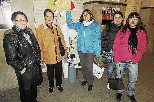 Luisa Martínez, Rosario García, Rosario Roldán, Stoyanka Popova y Katya Markova.