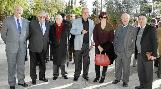 Miguel Deyá, Pere A. Serra, Miquel Alenyà, Francesc Bujosa, Carme Lull, Joan Parets y Gabriel Seguí.