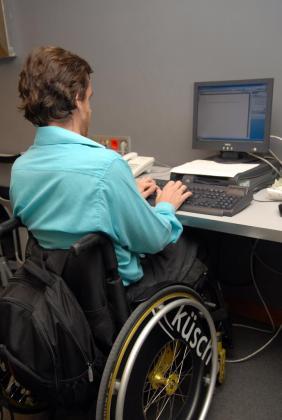 El Govern pretende fomentar la contratación de personas con discapacidad.