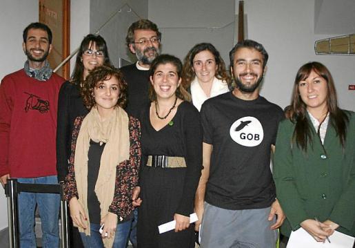 María Ortiz, Mercè Morató, Xavi Llabrés y Carla Olaya. Detrás: Biel Mateu, Laura Monserrat, Maciá Blázquez y Teresa Pizá.