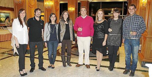 María Núñez, Toni Massa, Cristina Correa, Cecilia Gost, Iván Plasencia, Marta Carrillo, Amanda Figuerola y Miquel Barceló.
