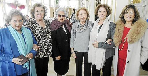 Rosita Arroyo, Carmen Ceva, Concha Fuster, Leo Planells, Francisca Llabrés y Margarita Prohens.