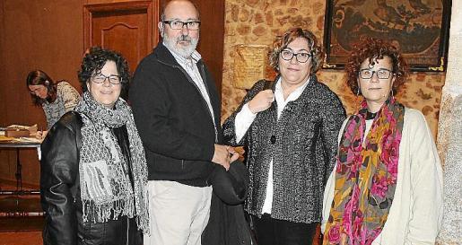 Magadalena Cañelles, Jaume Mateu, Bel Palou y Catalina Cañellas.