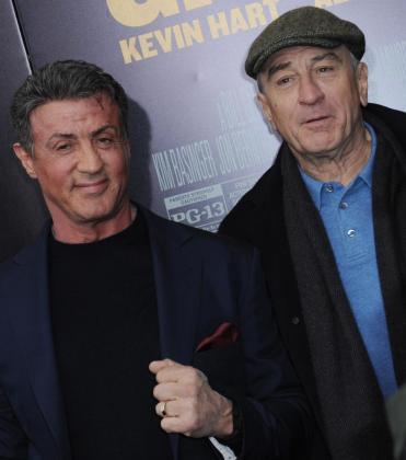 """Los actores estadounidense Sylvester Stallone (i) y Robert De Niro (d) durante el estreno mundial de la película """"La gran revancha""""."""