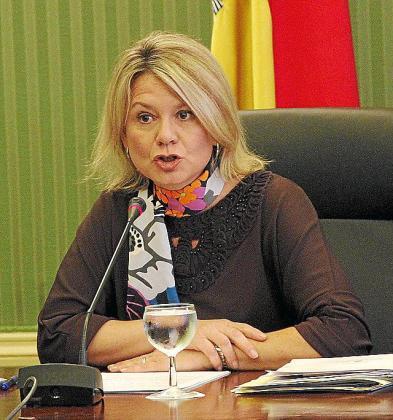 El grupo Més quiere que Núria Riera comparezca en el Parlament para explicar el controvertido cambio.